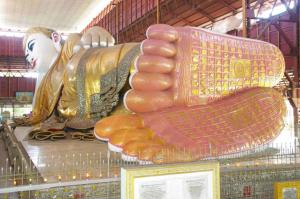 liegender Riesenbuddha in Yangdon, Myanmar (Burma) © Gerhard Weil